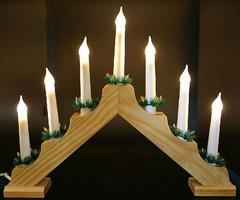 Свещник със 7 LED свещи