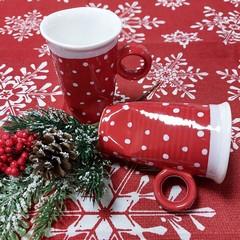 Чаша червена на бели точки средна